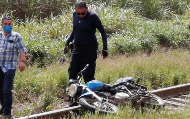 A motorcycle is seen at the site where the body of journalist Julio Valdivia was found in Tezonapa, Veracruz, Mexico, September 9, 2020, in this image obtained via social media. Photo: Reuters