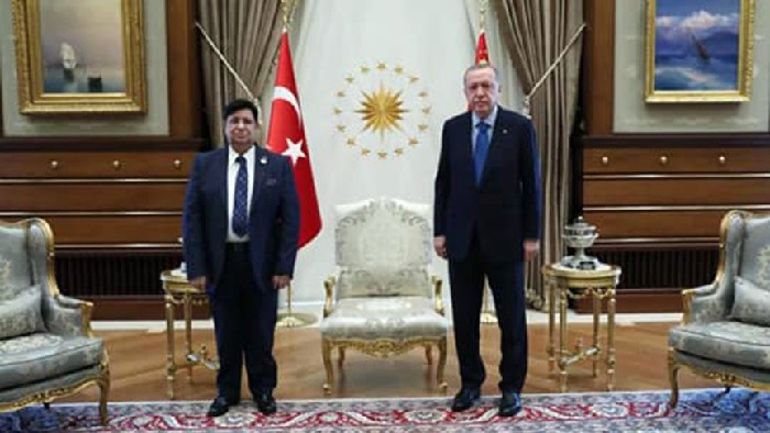 Bangladesh Foreign Minister Dr A K Abdul Momen (left) calls on Turkish President Recep Tayyip Erdogan in Ankara Wednesday.