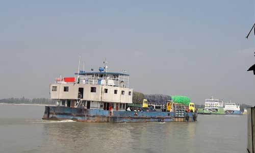 Ferry services on Shimulia-Kanthalbari route resume