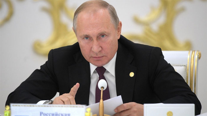 Putin's invitation came as there appeared to be no end in sight for the fighting over Nagorno-Karabakh.