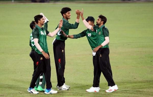 Nazmul XI sniffs final after demolishing Mahmudullah XI