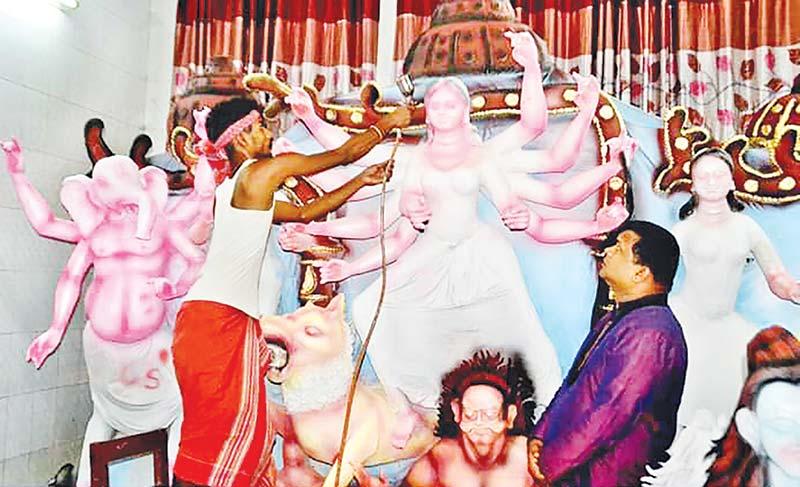 Idol makers busy ahead of Durga Puja