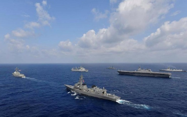 Vessels from the US Navy, Indian Navy, Japan Maritime Self-Defence Force and the Philippine Navy sail in formation at sea, in this recent taken handout photo released by Japan Maritime Self-Defence Force on May 9, 2019. Photo: Reuters