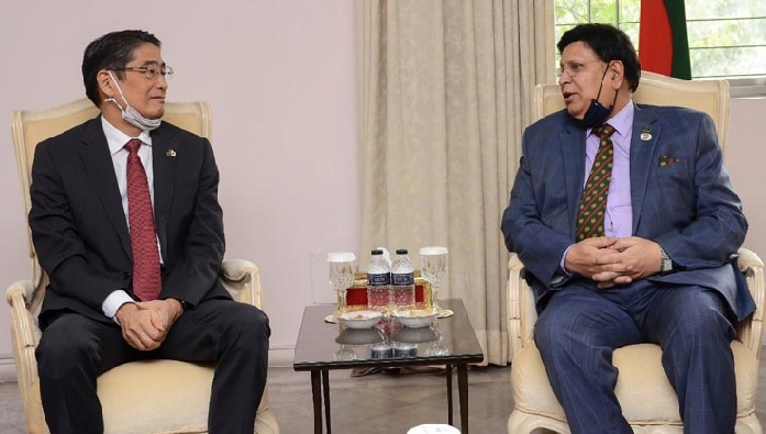 Japanese Ambassador to Bangladesh Naoki Ito made a call on Foreign Minister Dr A K Abdul Momen in the capital on Sunday.