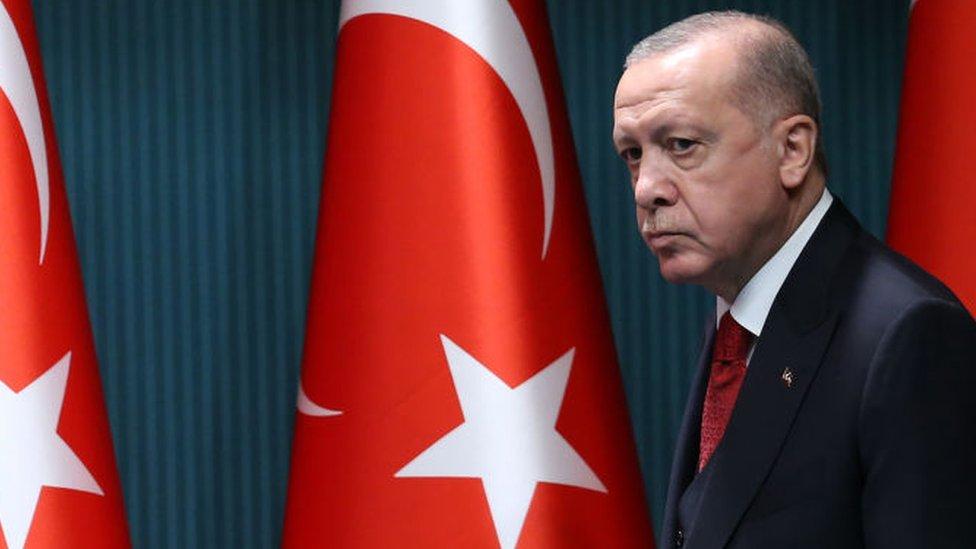 Erdogan calls for boycott of French goods
