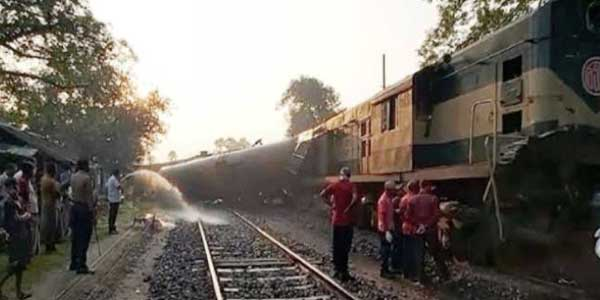 Khulna's train services restore after 9hrs