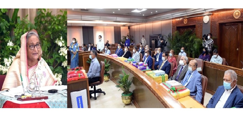 Prime minister Sheikh Hasina addresses a programmes where commercial banks under Bangladesh Association of Banks, who provides a total of 25,95,000 pieces of blankets to the Prime Minister's Relief and Welfare Fund to help the poor during the upcoming winter season on 28 October 2020 PHOTO: PID