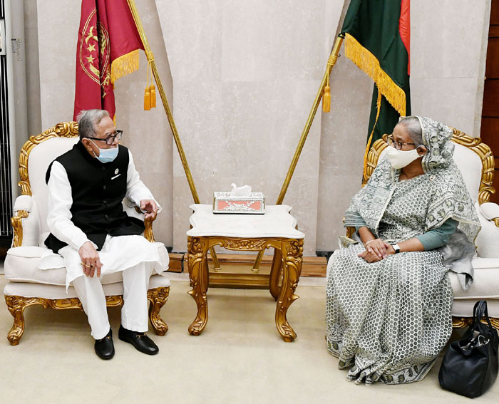 PM Hasina pays courtesy call on President Hamid