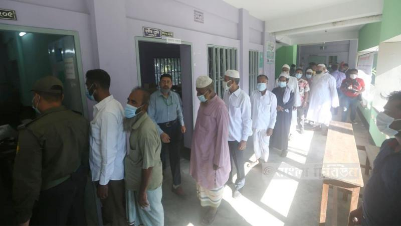 Vote counting of Dhaka-18, Sirajganj-1 by-polls continues