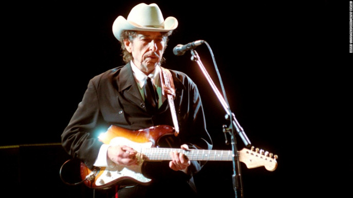 Dylan performs in London in 2002. Photo: CNN