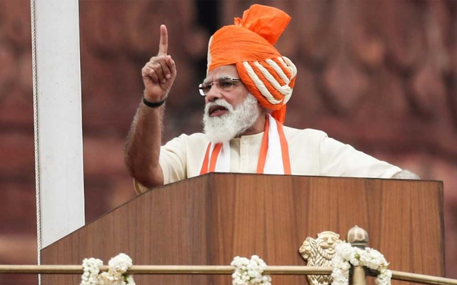Indian Prime Minister Narendra Modi addresses the nation during Independence Day celebrations at the historic Red Fort in New Delhi, Aug 15, 2020. REUTERS