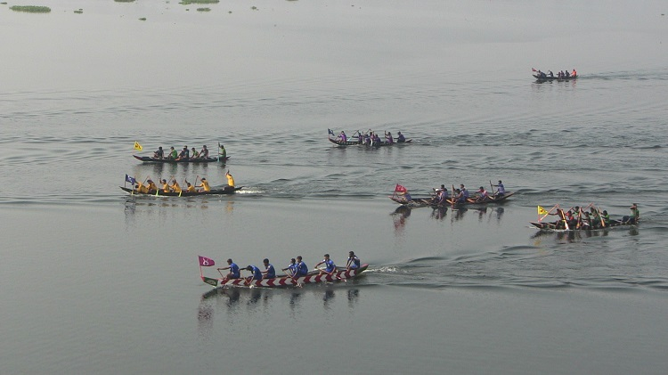 Boat race held in Rangamati's Naniarchar marking CHT Peace Accord anniv