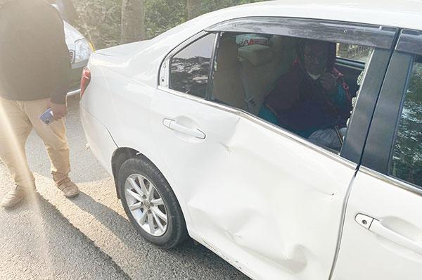 Rizvi escapes unhurt in car accident