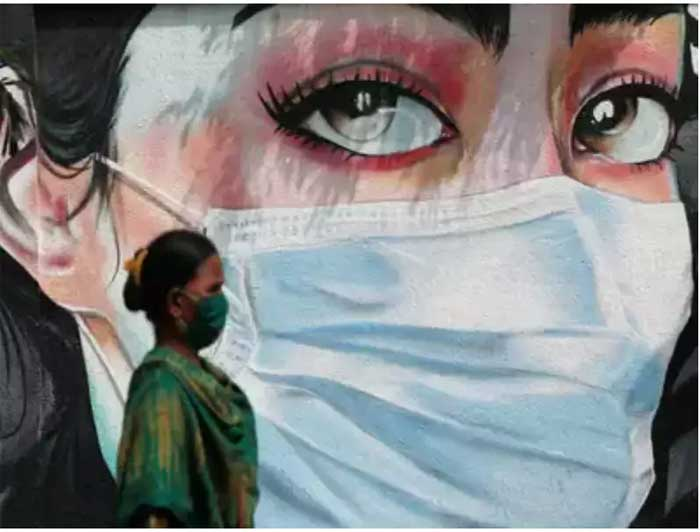 India kicks off 'world's largest' vaccination campaign