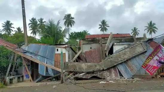 A destroyed building is pictured following an earthquake in Mamuju, West Sulawesi, Indonesia January 15, 2021, in this picture obtained from social media. Palang Merah Indonesia/via REUTERS ATTENTION EDITORS - THIS IMAGE HAS BEEN SUPPLIED BY A THIRD PARTY. MANDATORY CREDIT. NO RESALES. NO ARCHIVES. REFILE - CORRECTING YEAR