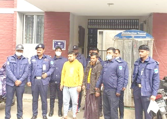 'Two held for swindling Tk 50 lakh' in Manikganj