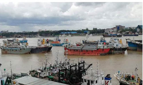 2 masters sent to jail; Vessel movement from Dhaka suspended