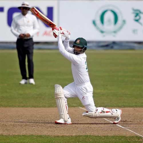 Tamim Iqbal drives through the covers  Raton Gomes/BCB
