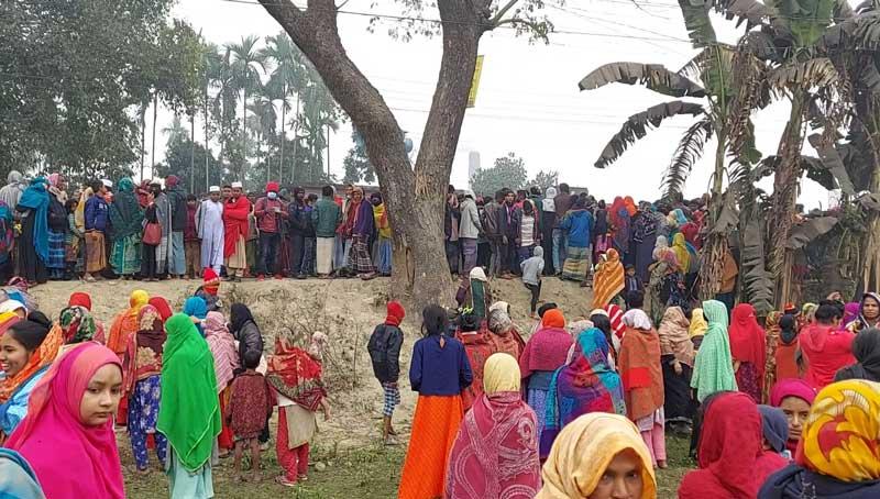 5 killed as truck hits auto-rickshaw in Sherpur