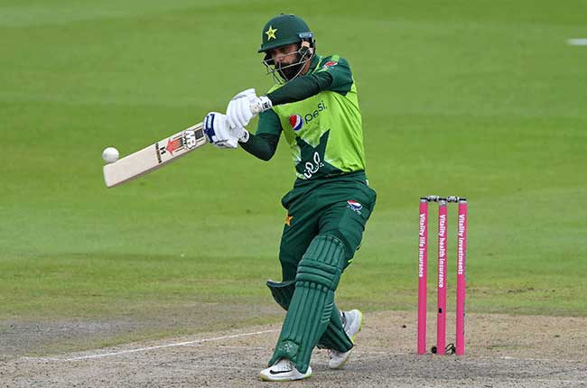 Pakistan drop Hafeez, Fakhar for South Africa T20s