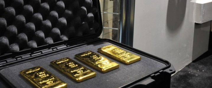 Gold plunges as real yields surge