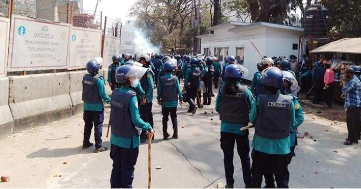 Police charge baton on JCD men, 35 injured