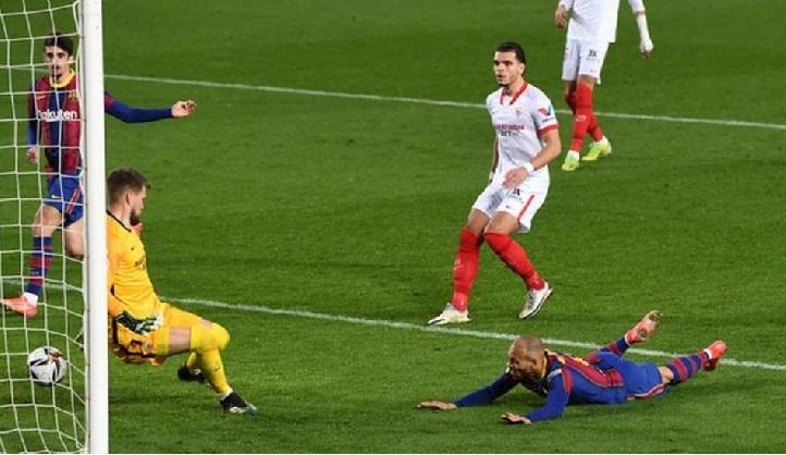Martin Braithwaite scored the decisive goal for Barcelona with a diving header