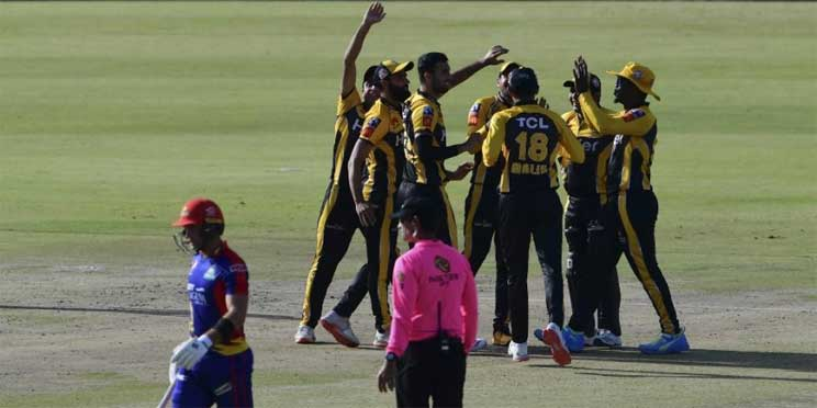 Peshawar Zalmi's celebrates the dismissal of Karachi Kings' Colin Ingram (L) during the Pakistan Super League (PSL) T20 cricket match. (Photo | AFP)