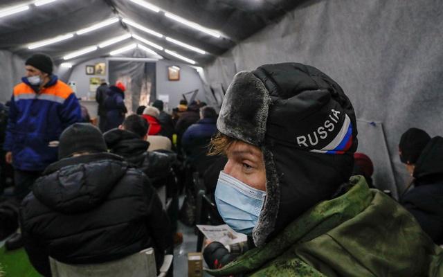 Russia's COVID death toll surpasses 200,000