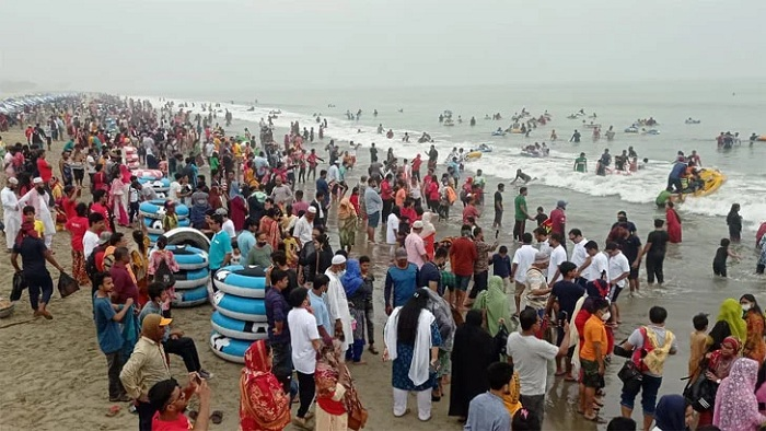 People inviting disaster: Health Minister