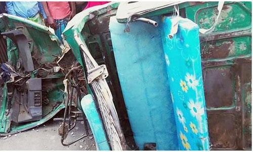 3 killed in Munshiganj accident