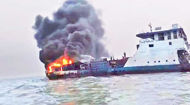 At least eight vehicles burnt as a fire broke out at a ferry in the River Meghna that left Lakshmipur for Bhola on early Thursday.PHOTO: OBSERVER
