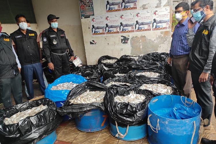 2.2 tons of jatka seized from Karwan Bazar