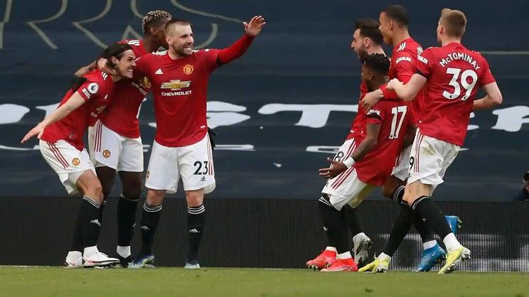 Man Utd stage comeback win at Tottenham