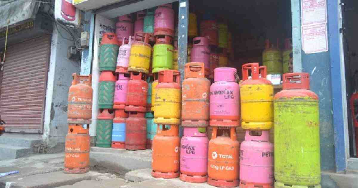 LPG prices rise by Tk 102 per cylinder