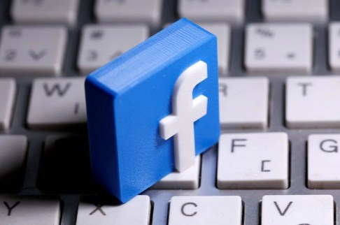 Facebook to pay $5 mln to local journalists in newsletter push