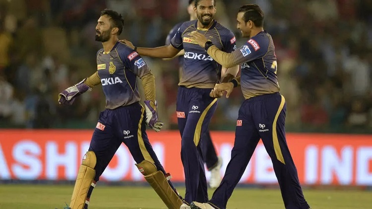 Kolkata Knight Riders team bowler Sandeep Warrier (C) is one of the players to test positive. Photo: AFP