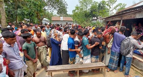 Teenage girl stabbed dead by boyfriend in Sirajganj