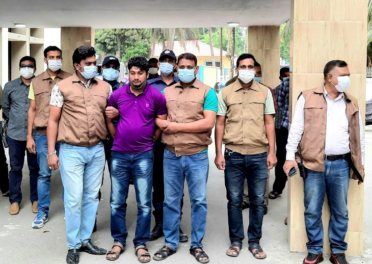 Contract killer arrested over murder of siblings in Bhola