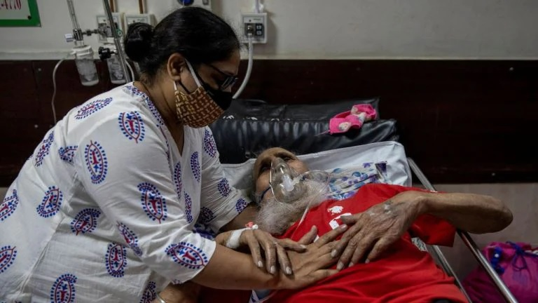 India's COVID-19 cases rise by over 400,000