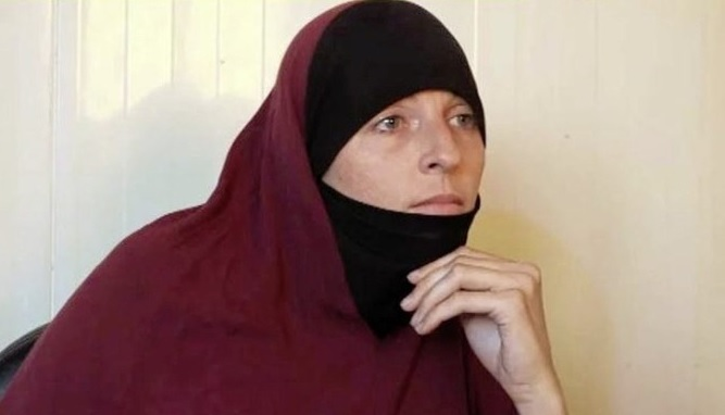 Lisa Smith, 38, traveled to Syria several years ago to allegedly become the second wife of British Daesh soldier Sajid Aslam.