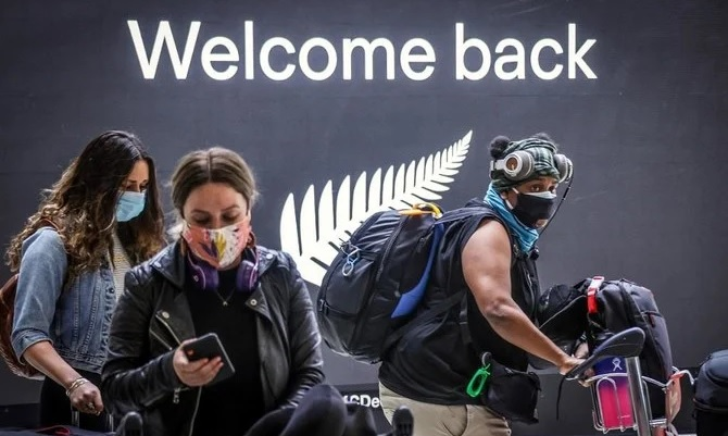 Since March 2020, Australians have been barred from traveling overseas. Above, passengers arrive at Sydney International Airport on October 16, 2020 after a one-way travel rules were implemented. (AFP file photo)