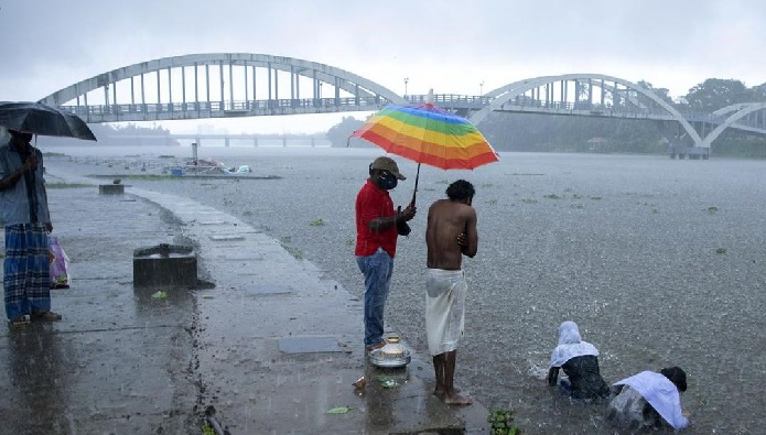 Severe cyclone heading toward southern India: 4 dead
