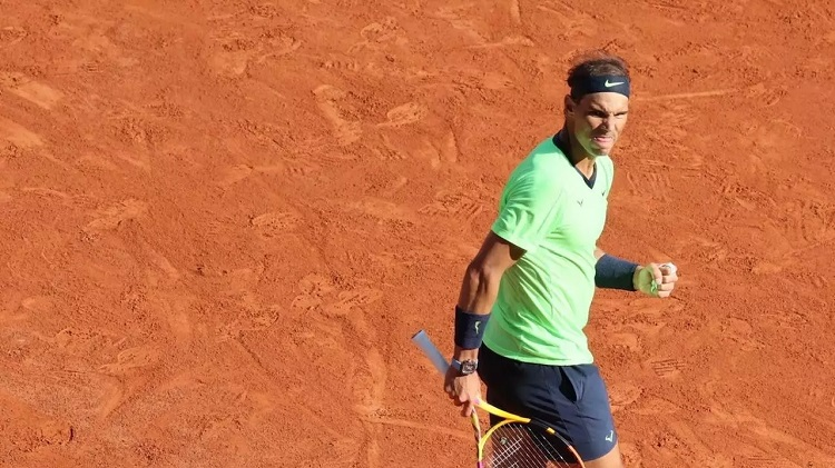 Rafael Nadal cruises past Jannik Sinner to reach the quarter-finals yet again. © Pierre René-Worms, France 24