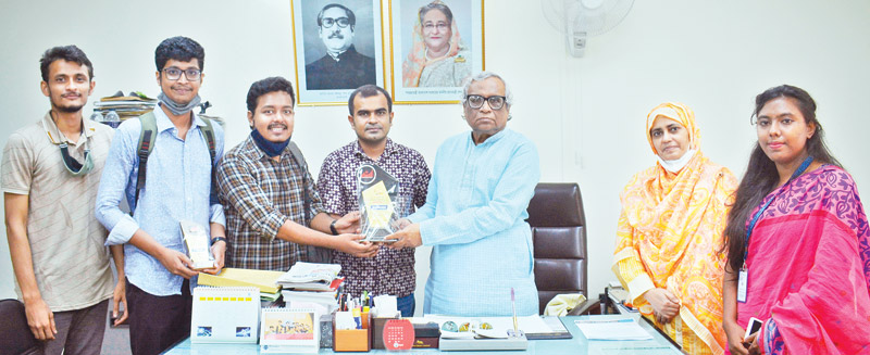 PUDS team called on Vice Chancellor of the university Dr Anupam Sen