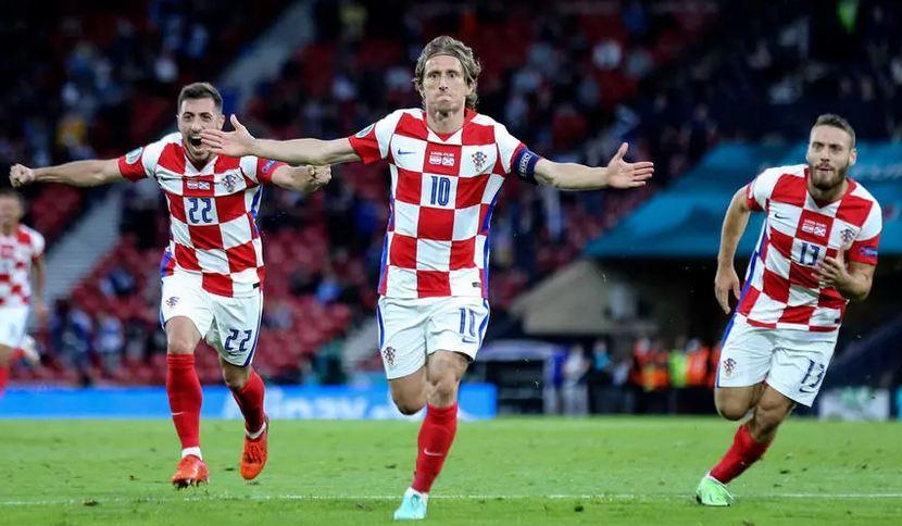 Croatia beat Scotland to reach Euro 2020 last 16