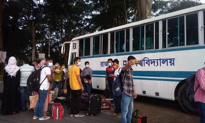 RU students return home by university bus