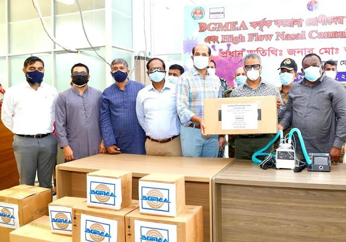 BGMEA President Faruque Hassan handed over 15 German-made high flow nasal cannula with BiPAP and 50 thousand masks to DNCC Mayor Md. Atiqul Islam at a program held at the hospital on Tuesday