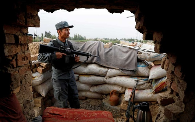 Afghanistan imposes curfew as Taliban militants advance