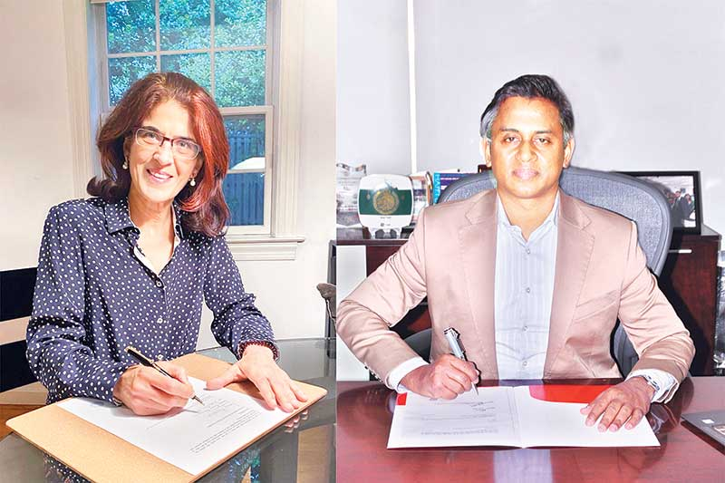 Sheikh Mohammad Maroof, Additional Managing Director of City Bank, and Rosy Khanna, IFC Regional Industry Director, Financial Institutions Group - Asia and Pacific, sign agreement recently.
